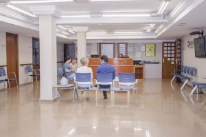 sala de espera del centro otoneurológico