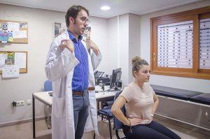 corrección de la postura en consulta de logopeda