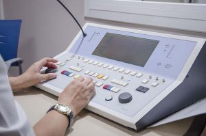 maquinaria para control de audiometría