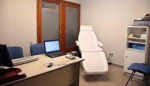 Camilla en consulta centro otoneurológico